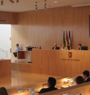 Imagen de archivo del Pleno de la Diputación. FOTO/EP