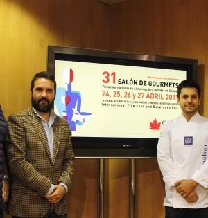 El diputado responsable de la marca Sabor a Málaga, Jacobo Florido (segunda izqda) este miércoles durante la presentación. FOTO/ EP