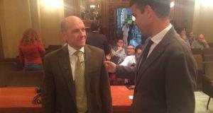 Bernal, junto al presidente de OSP y edil de Hacienda, Manuel Osorio, durante un Pleno en una imagen de archivo.
