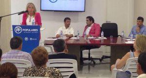 Ángeles Muñoz en el momento de dirigirse el Comité Ejecutivo Local del PP de Marbella, el pasado martes 6 de junio, para anunciar su candidatura a la reelección como presidenta. FOTO/ MARBELLA CONFIDENCIAL
