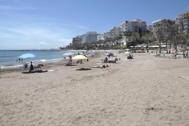 Imagen de archivo de una playa de Marbella. FOTO/ Ayto de Marbella