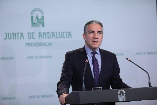 El consejero de Presidencia de la Junta y portavoz del Gobierno, Elías Bendodo, este martes durante la rueda de prensa que ha ofrecido. FOTO/ JUNTA