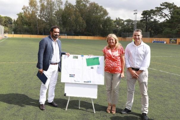 El concejal de Deportes, Manuel Cardeña, junto a la alcaldesa de Marbella, Ángeles Muñoz, este miércoles. FOTO/ Ayto de Marbella
