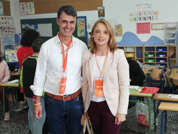 El nuevo coordinador de la Gestora de Ciudadanos en Marbella, Jaime Torrecilla, junto a la única edil del partido en el municipio, María García, en imagen de archivo