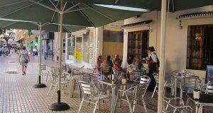Imagen de archivo de la terraza de una cafetería en Málaga. FOTO/ EP