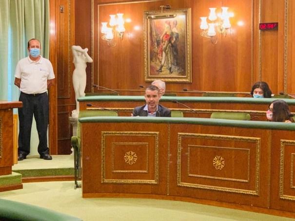 El portavoz del PSOE, Pepe Bernal, durante su intervención en el pleno de este miércoles. FOTO/ PSOE