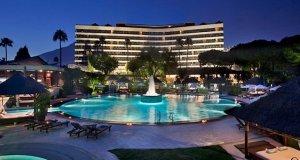 Imagen nocturna de archivo del Gran Hotel Meliá Don Pepe en Marbella