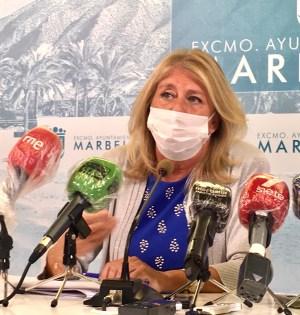 La alcaldesa de Marbella, Ángeles Muñoz, este miércoles en rueda de prensa. FOTO/ CABANILLAS