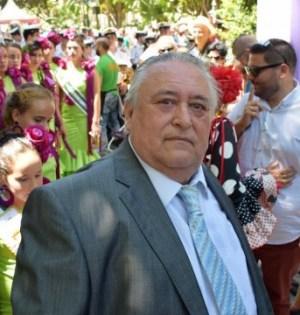 José Pernía años atrás, cuando bajo gobierno de José Bernal se le homenajeó como precursor de la feria de Marbella