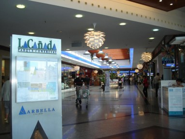 Marbella shopping - la canada