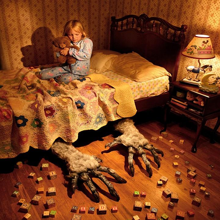 monstruo bajo la cama