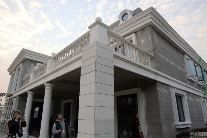 china 3d-printed mansion and tower block