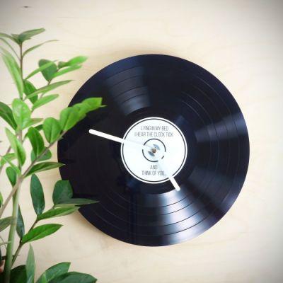 idees-cadeaux-vintage-noel-horloge-vinyle