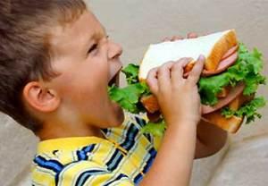 bambino-alimentazione