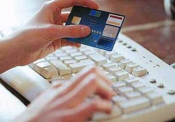 Deviava bonifici e pagamenti, presa hacker nigeriana