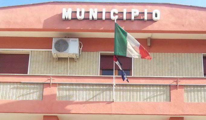 Un vero e proprio terremoto a Stornara: sul progetto amianto il sindaco fa un passo indietro