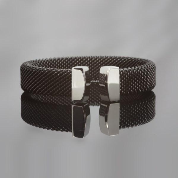Milanese klemarmband van zwart edelstaal , 14 mm breed.