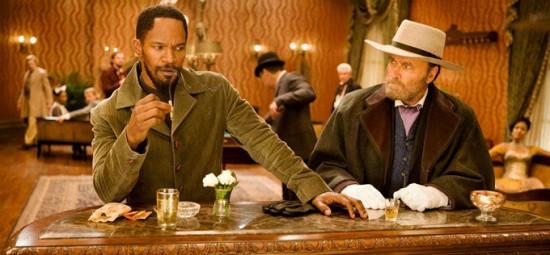 """(Jamie Foxx e Franco Nero, il nuovo e il vecchio Django, in un'ironica """"scena citazione"""" del film di Quentin Tarantino. Il Nome del personaggio fu preso da Sergio Corbucci dal grande musicista jazz belga di origine sinti Django Reinhardt, del quale stava ascoltando i dischi)"""