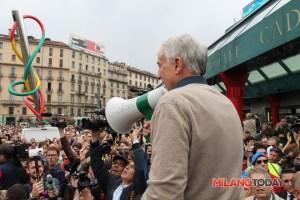"""Manifestazione """"Nessuno tocchi Milano"""", piazza Cadorna, 3 maggio 2015."""