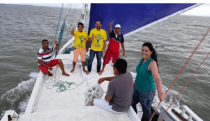 Júnior Verde com equipe do projeto em alto mar