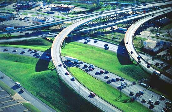 Il problema del traffico e gli effetti sull'ambiente e sulle nostre città. Il contributo di Corrado Poli.
