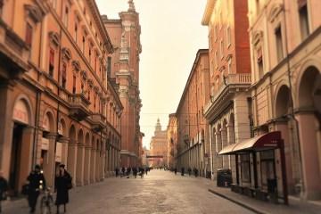 Bologna - Via Indipendenza