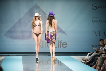 """Defile-195 Images tagged """"defile"""""""