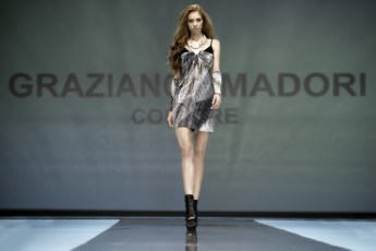 "Defile-209 Images tagged ""defile"""
