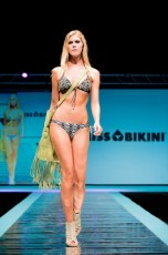 "Defile-216 Images tagged ""defile"""