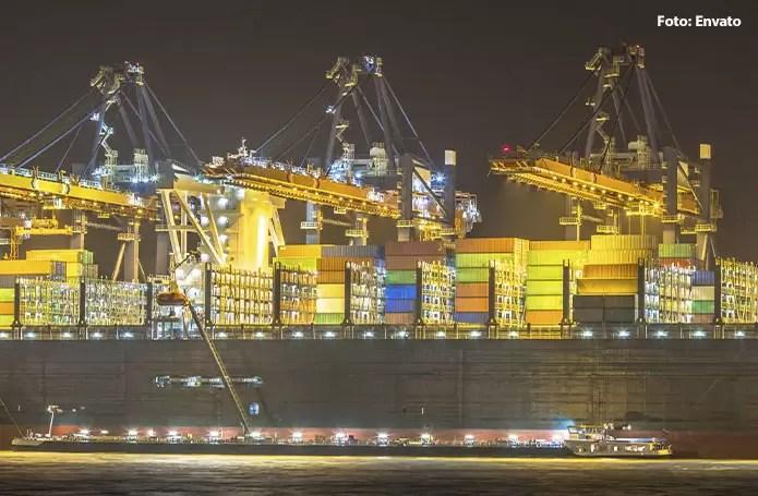 Importações desabam 35,2% e balança comercial tem superávit recorde histórico de US$ 8,06 bi em julho