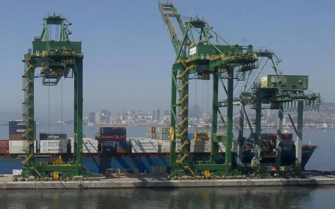 Aumento das importações faz superávit comercial cair 15% em setembro