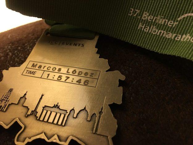 Die Plakette des 37. Berliner Halbmarathon