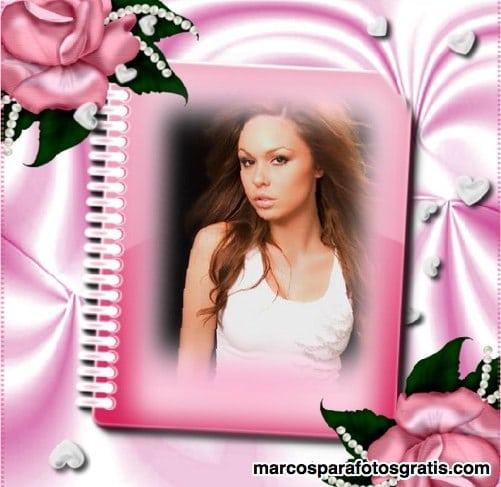 Marco de fotos de cuaderno rosa con flores