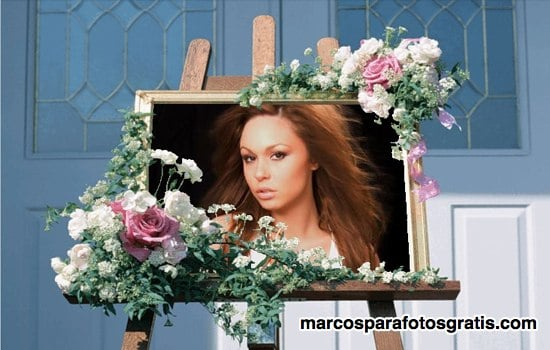 marco de caballete con flores para fotos