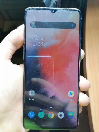 OnePlus 7T con sensor de huellas en pantalla -frontal