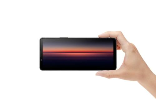Nueva patente de Sony revela un móvil con altavoces emergentes
