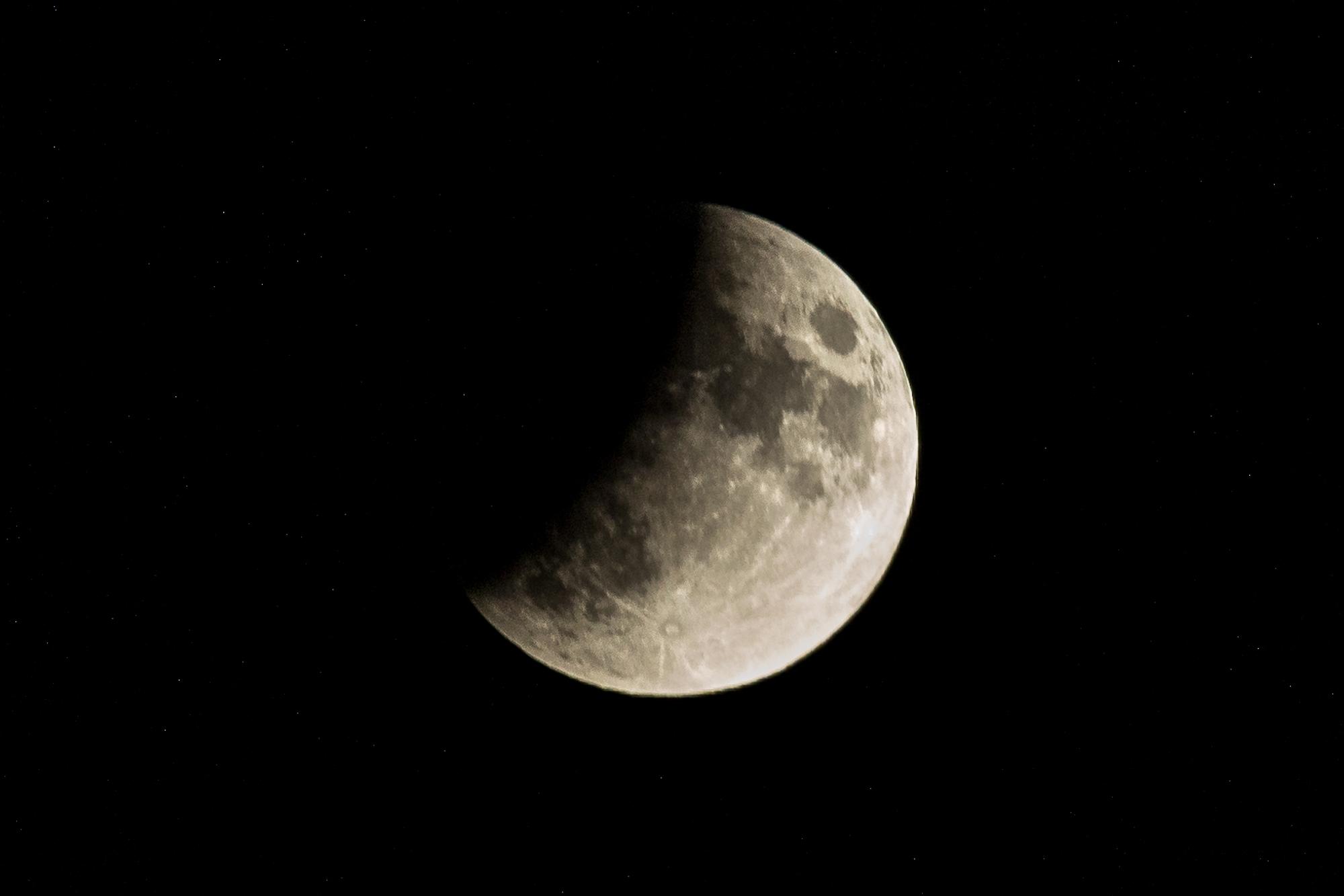 Partielle Mondfinsternis 1