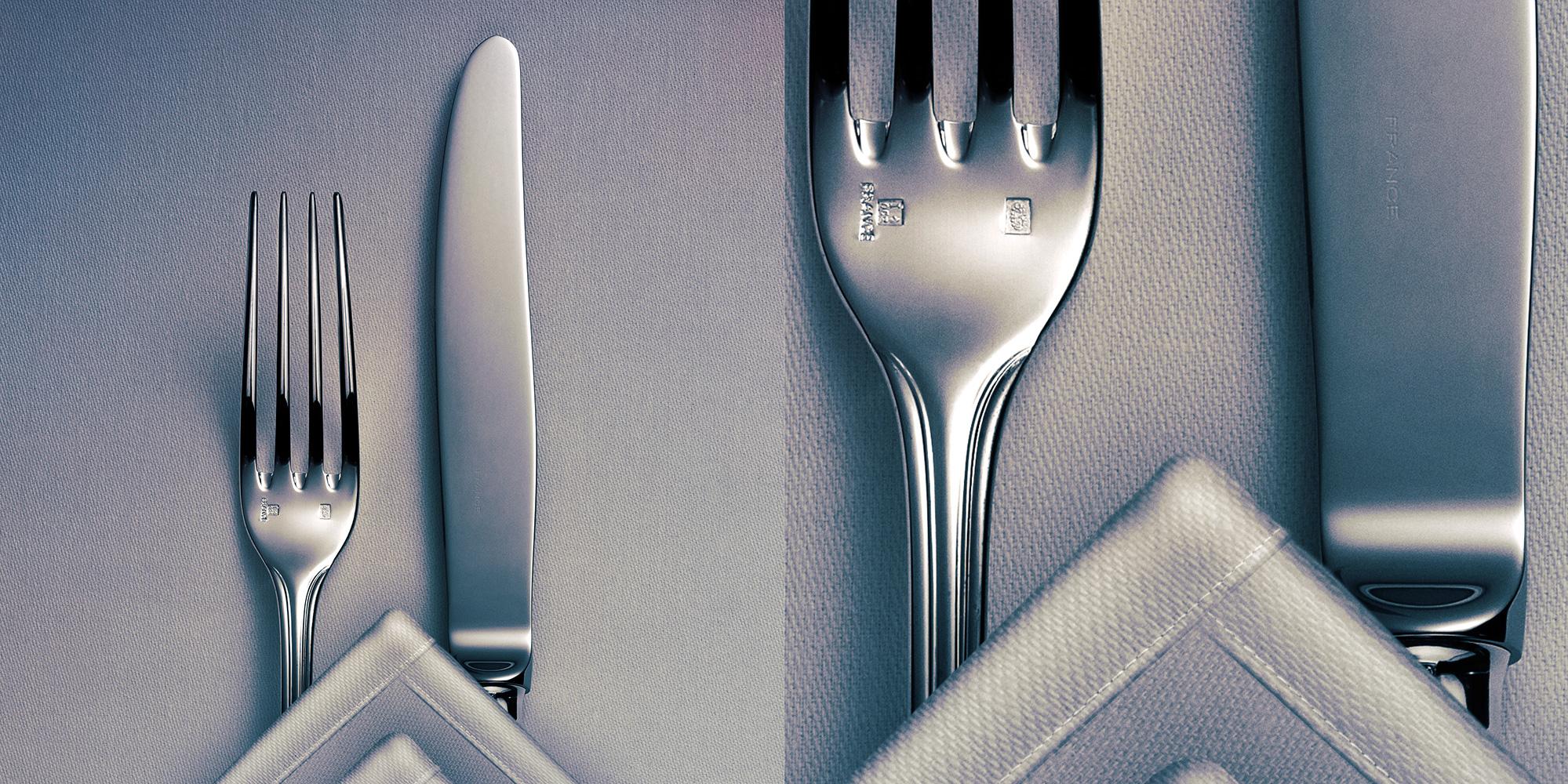 Fork; knife; napkin; table; cloth; citroën; car; bib gourmand; chevron; vork; mes; servet; tafel; tafelkleed; cutlery; bestek