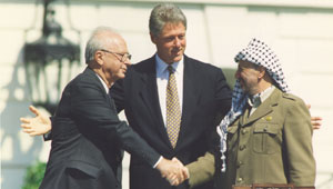 صورة:Rabin at peace talks.jpg