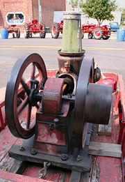نموذج لمحرك إحتراق داخلي صنع عام 1910