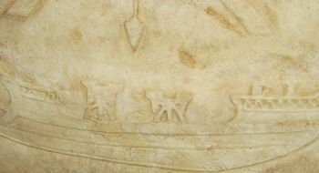 منجنيق نبلي Ballista على سفينة حربية رومانية.