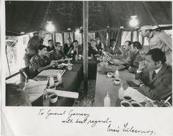 خيمة المفاوضات في الكيلو 101 على طريق القاهرة السويس. الصورة مهداة للجمسي من جنرال إنزيو سيلاسڤو قائد قوات الطوارئ الدولية.