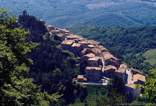 https://i2.wp.com/www.maremmaguide.com/image-files/italian_villages_500.jpg