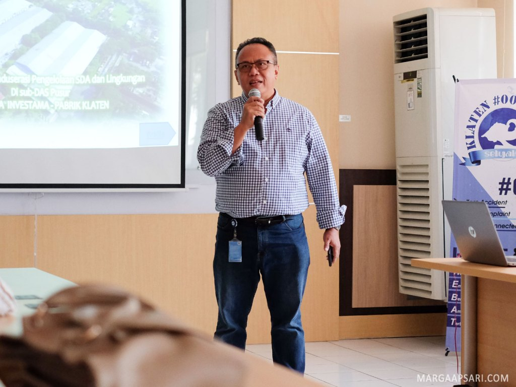 Bapak Arif Mujahidin, Corporate Communication Director AQUA