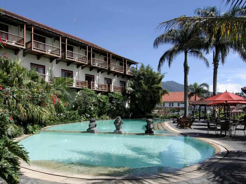 Hotel di Bogor yang asri, Novus Giri