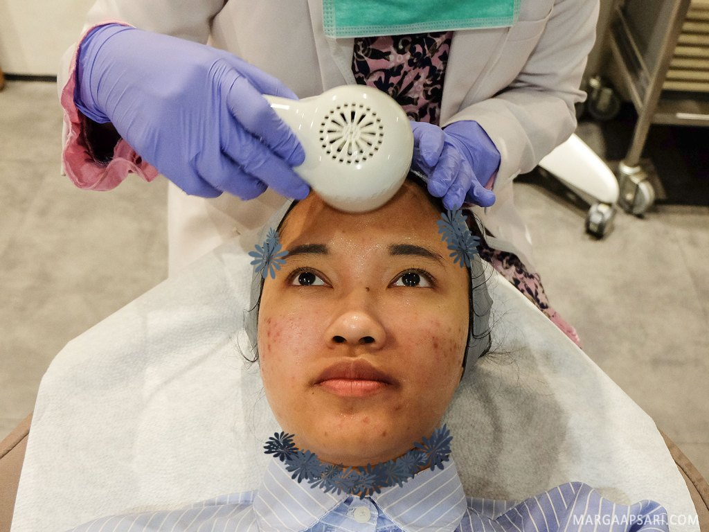 Hydra Glow Boost treatment di ERHA