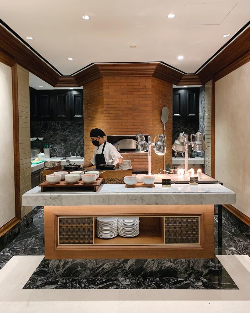 Suasana sarapan di Hotel Indonesia Kempinski