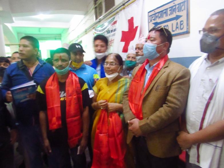 युवा संघका सदस्य अजय पुन मगर रक्तदान गरेर नेपाली काँग्रेसमा प्रवेश