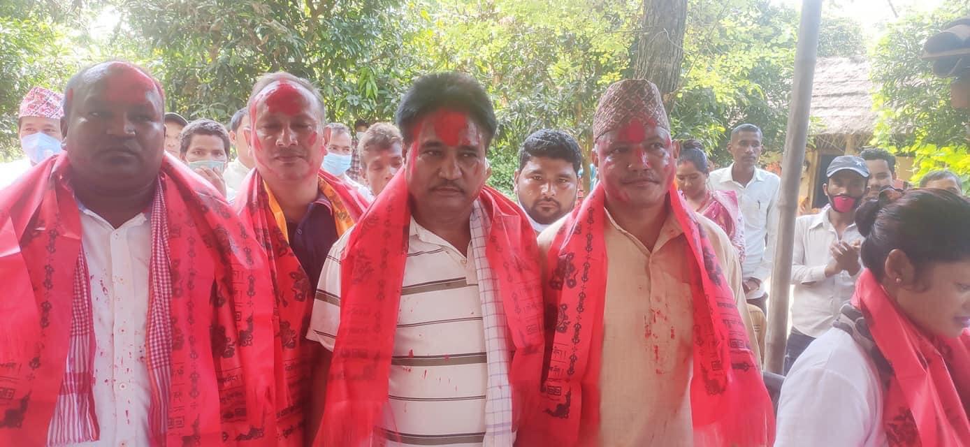 बाँकेको राप्ती सोनारी गाउँपालिका नेकपाका स्थानीय प्रभावशाली नेतासहित १ सय ५ जना ब्यक्ति नेपाली कांग्रेसमा प्रवेश
