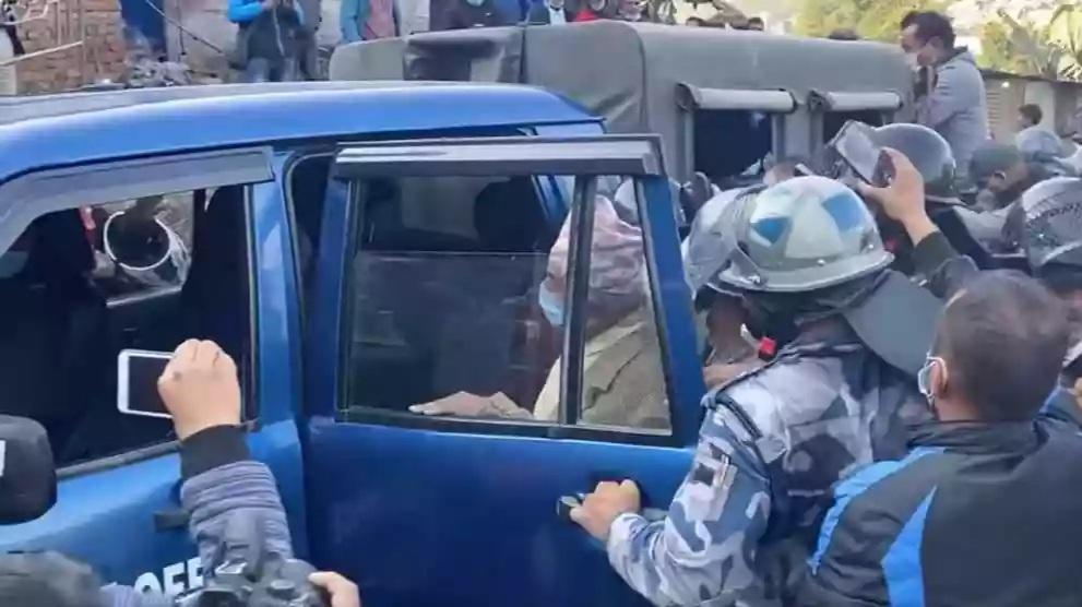 रामचन्द्र पौडेलप्रतिको दुर्व्यवहार र गिरफ्तारीसर्वसत्तावादको संकेत कांग्रेस सभापति शेरबहादुर देउवा
